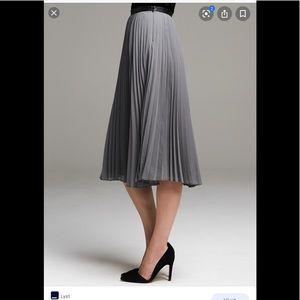 Banana Republic Pleated Hi Waist Midi Skirt Sz 0P